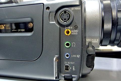 ビデオカメラの端子