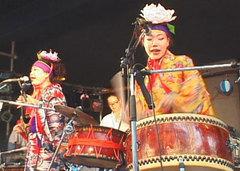 シーサーズ、横浜寿町フリーコンサートにて